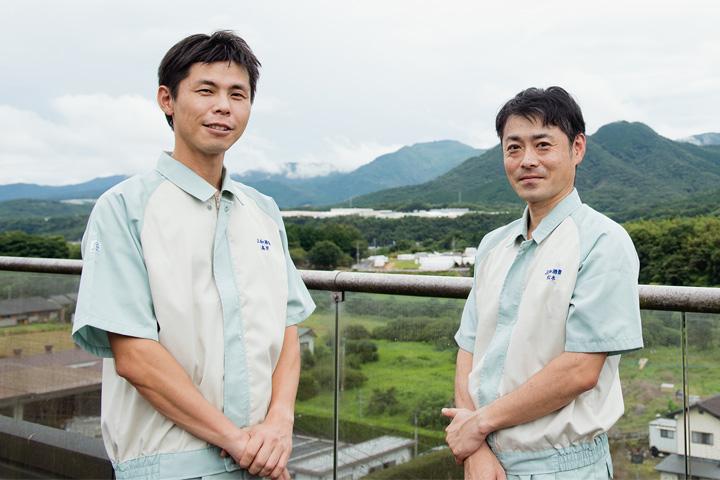 「いいちこ下町のハイボール」開発者の高岸さんと松本さん
