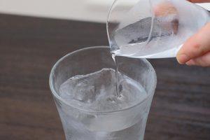 水割りを濃いめに作り、好みで水を加える