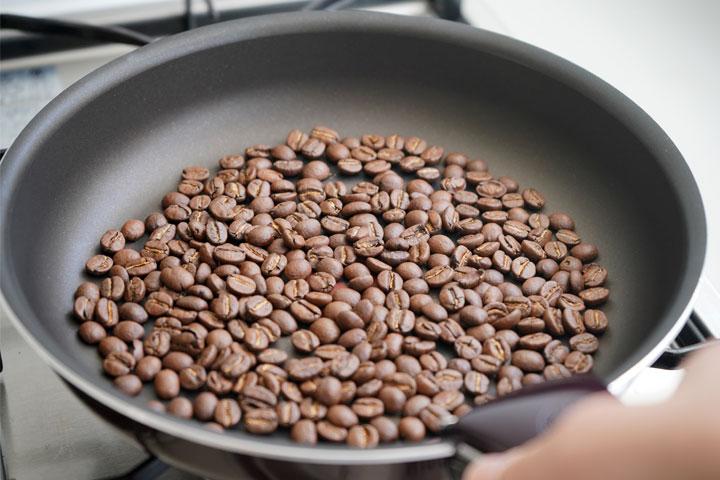 コーヒー豆を煎る