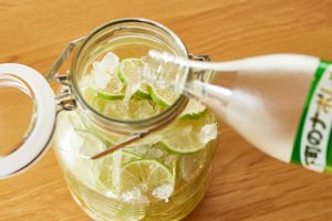 レモン酒を漬け込む